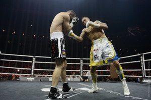 Усик – Гассиев: документальный фильм о победе украинца в Москве