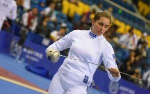 Фехтование: Пантелеева выиграла первую медаль, Харлан выступила неудачно