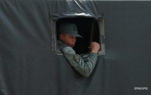 Сторону Мадуро покинули около 600 военных − Гуайдо
