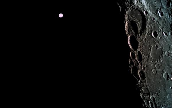 Израильский аппарат снял темную сторону Луны